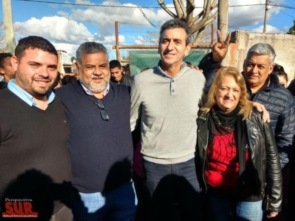 Florencio Randazzo visitó el barrio Mosconi de Berazategui